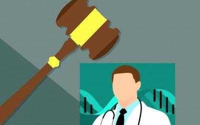 Una paciente demanda a su ginecólogo por los daños sufridos tras una cesárea. La insuficiencia de pruebas médicas se considera negligencia.